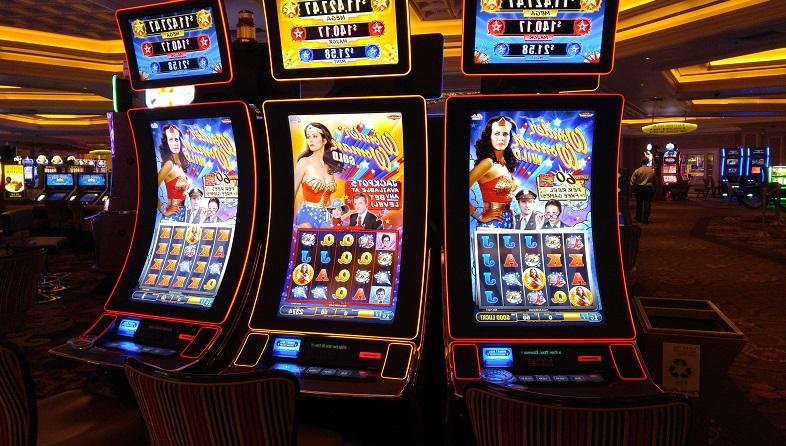 Игровые автоматы шпион играть бесплатно фото как играть в карты в 21